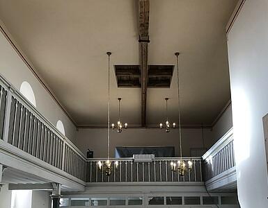 Kircheninnenraum nach der Sanierung.